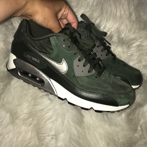 new product 672e0 2822f Nike Air Max 90 - Suede Olive Green. M 5ae01f16caab441294984515